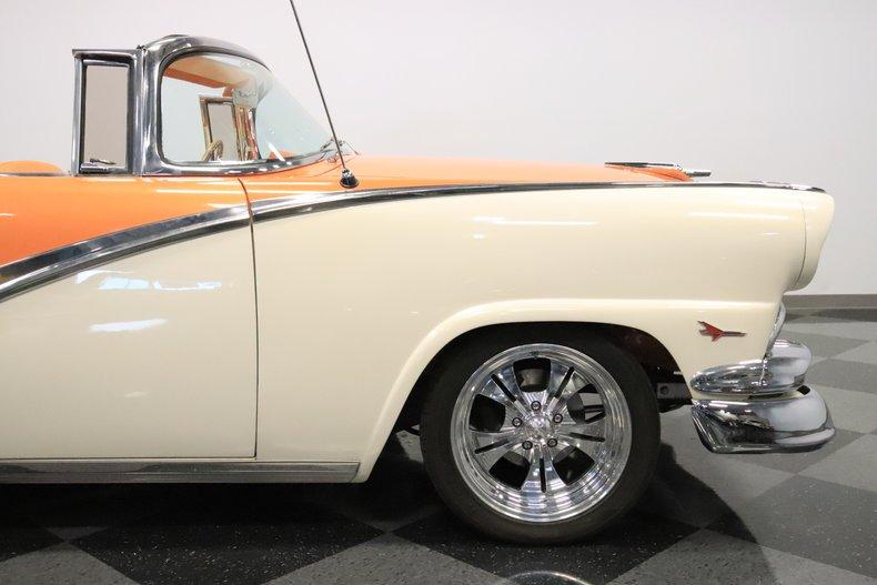 1956 Ford Sunliner 38
