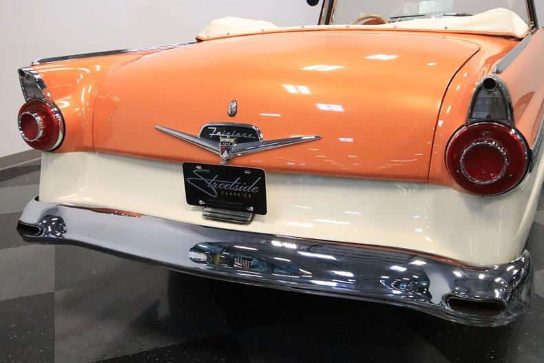 1956 Ford Sunliner 33