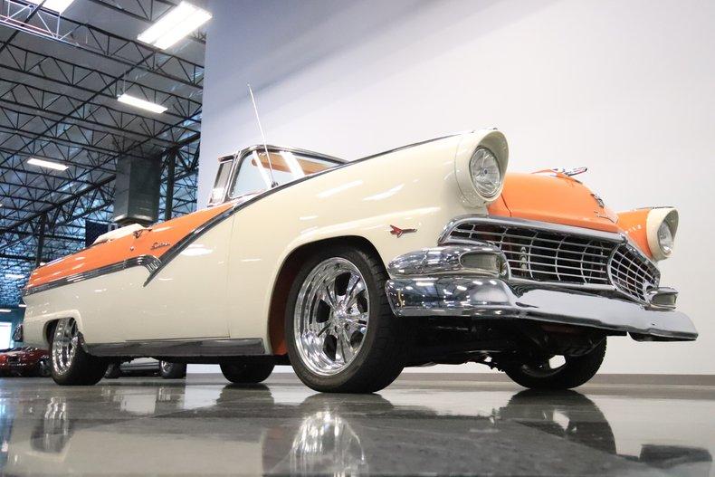 1956 Ford Sunliner 39