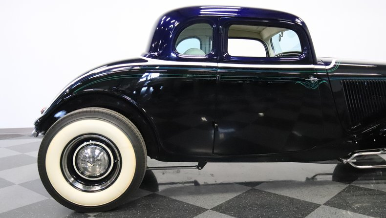 1934 Ford 5-Window 32