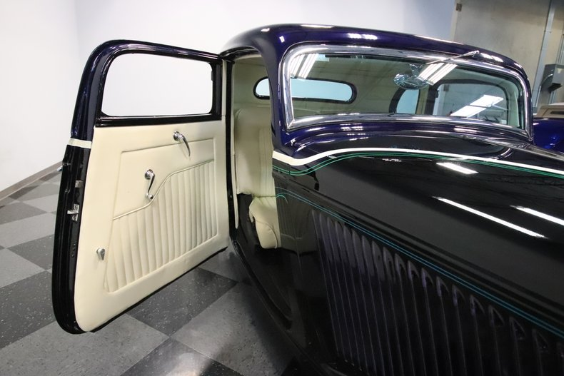 1934 Ford 5-Window 59