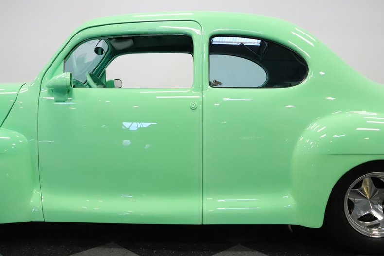 1946 Lincoln Club Coupe 26