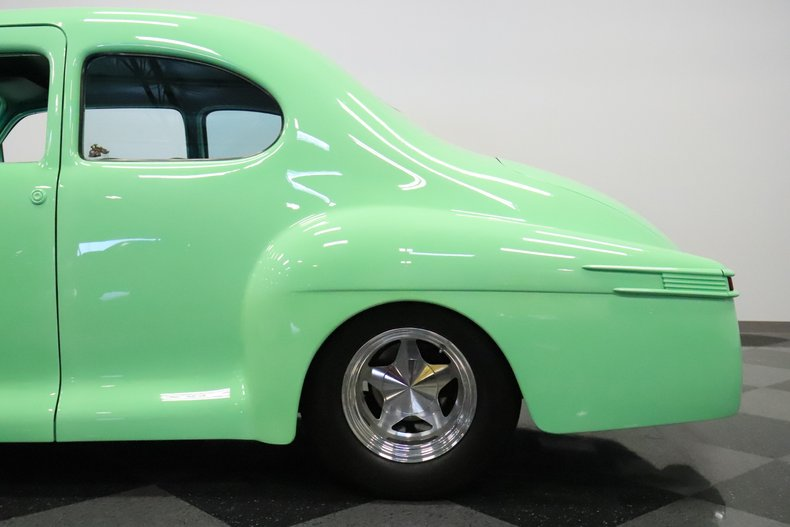 1946 Lincoln Club Coupe 27