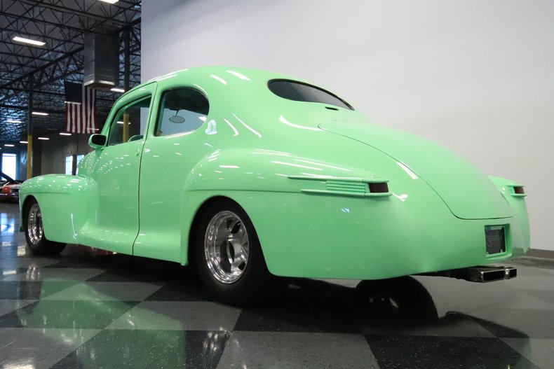 1946 Lincoln Club Coupe 28