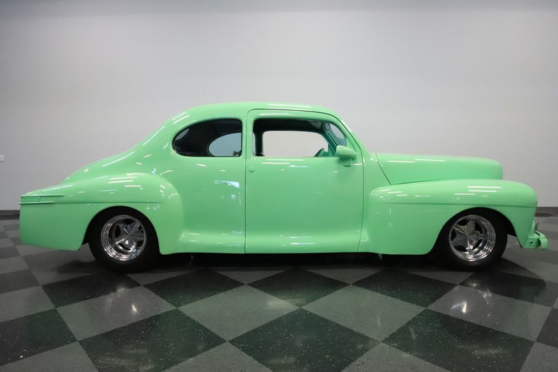 1946 Lincoln Club Coupe 32