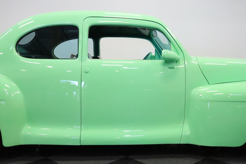 1946 Lincoln Club Coupe 34