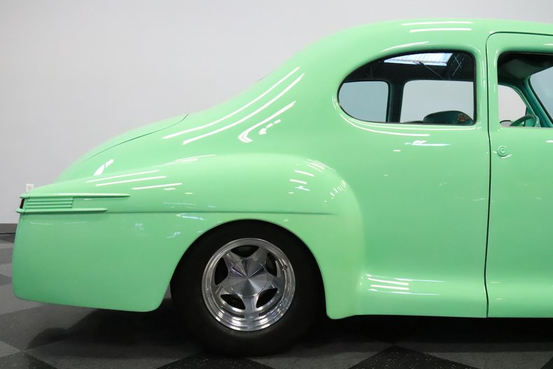 1946 Lincoln Club Coupe 33