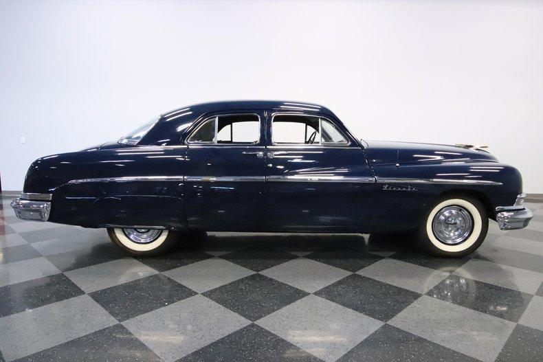 1951 Lincoln Sedan 32