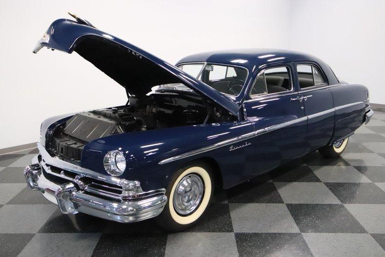 1951 Lincoln Sedan 37