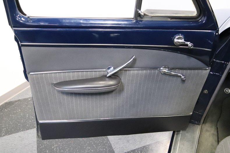 1951 Lincoln Sedan 45