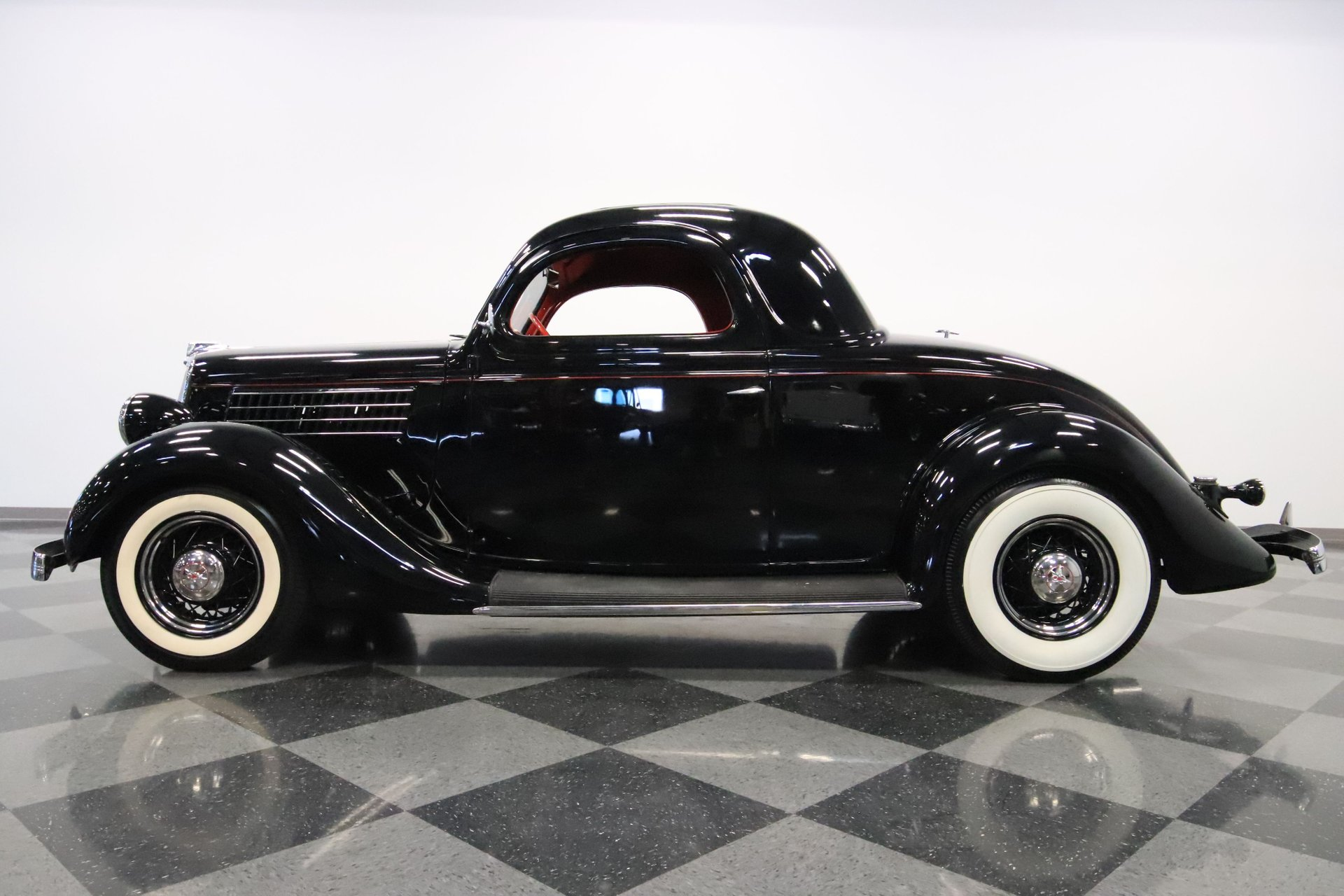 1935 ford 3 window coupe