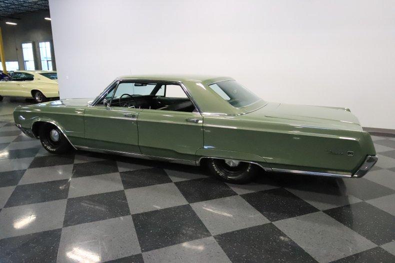 1968 Chrysler Newport 8