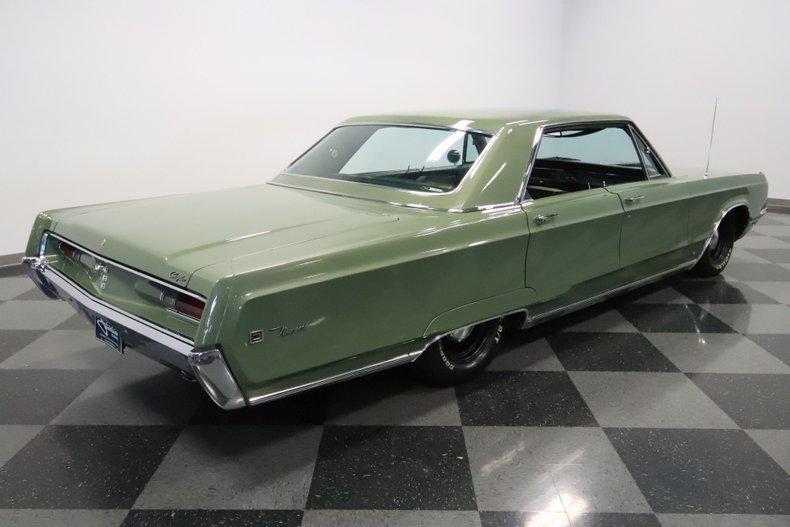1968 Chrysler Newport 13