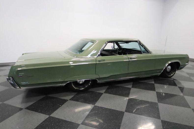 1968 Chrysler Newport 14