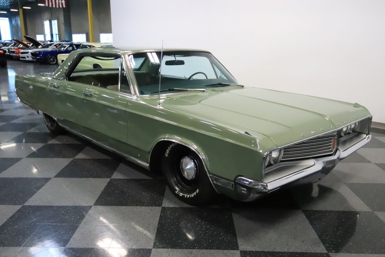 1968 Chrysler Newport 17