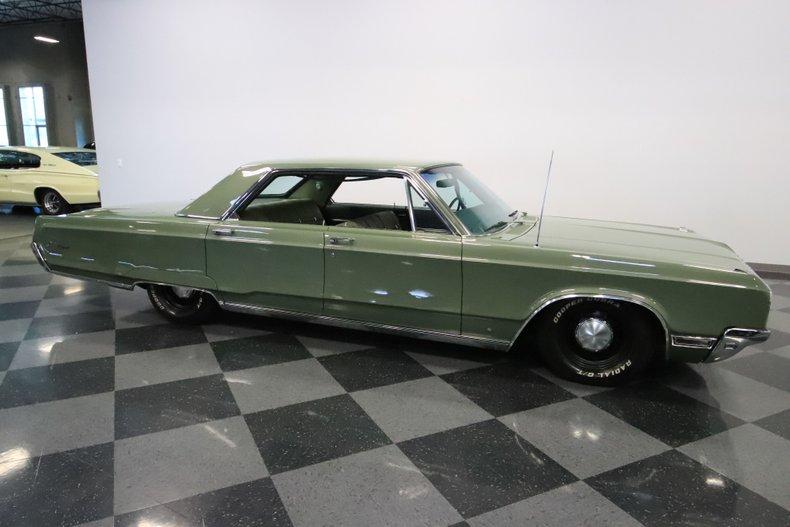 1968 Chrysler Newport 16