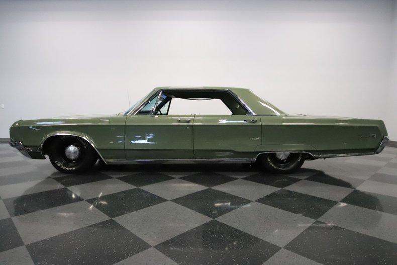 1968 Chrysler Newport 24