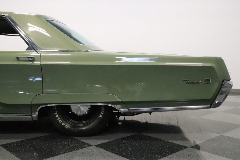 1968 Chrysler Newport 27