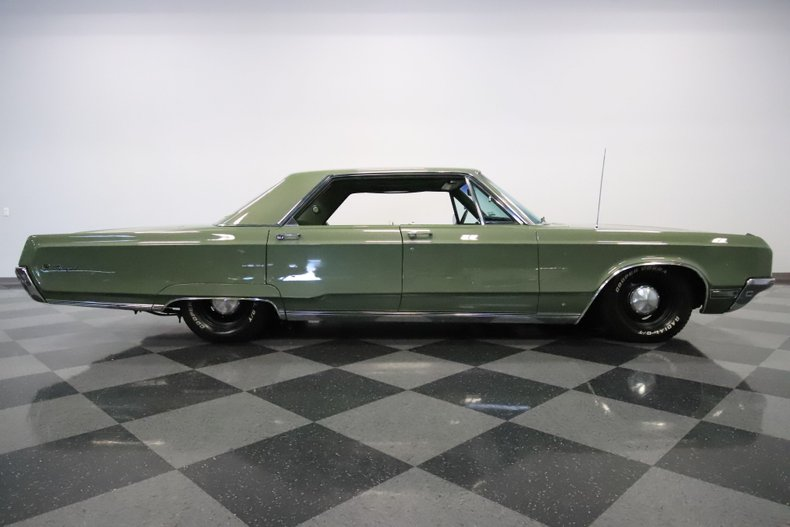 1968 Chrysler Newport 32