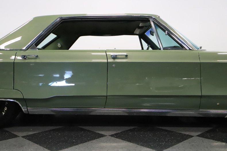 1968 Chrysler Newport 34