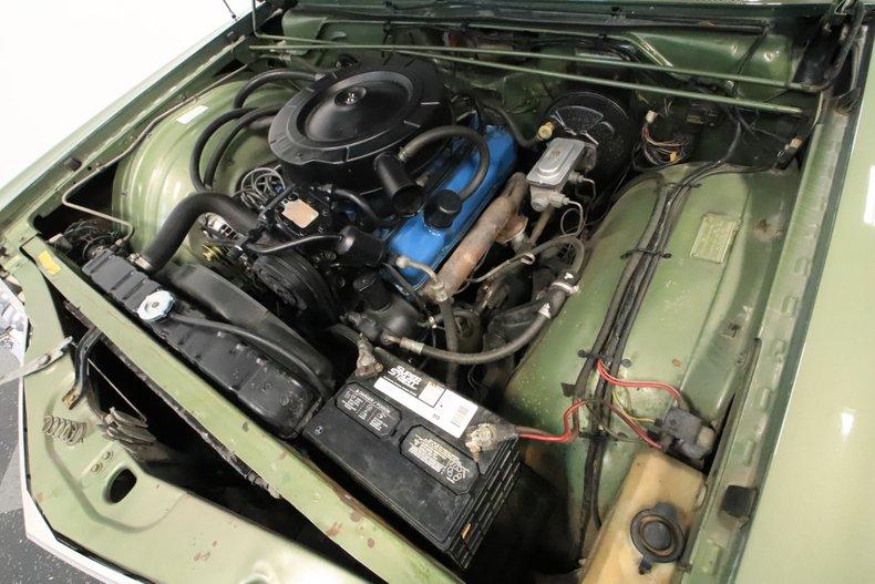 1968 Chrysler Newport 38