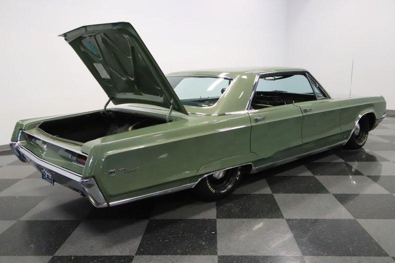 1968 Chrysler Newport 40