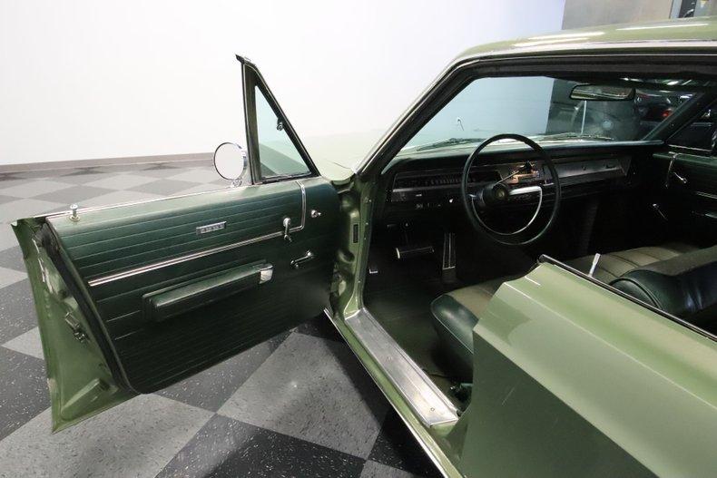 1968 Chrysler Newport 44