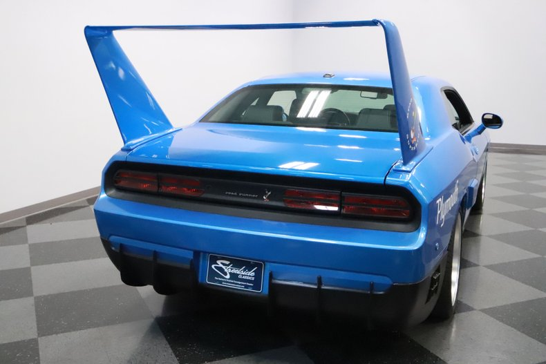 2010 Dodge Challenger 12