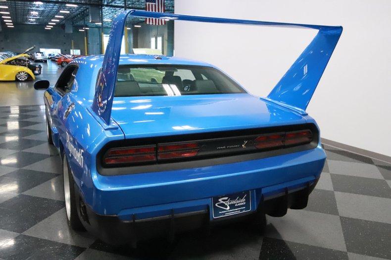 2010 Dodge Challenger 10