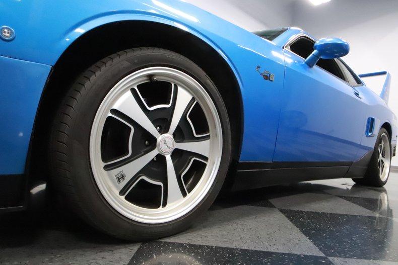 2010 Dodge Challenger 23