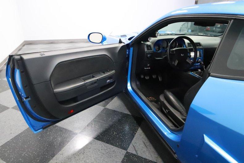 2010 Dodge Challenger 44