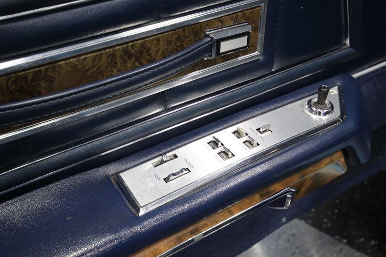 1973 Lincoln Continental 71