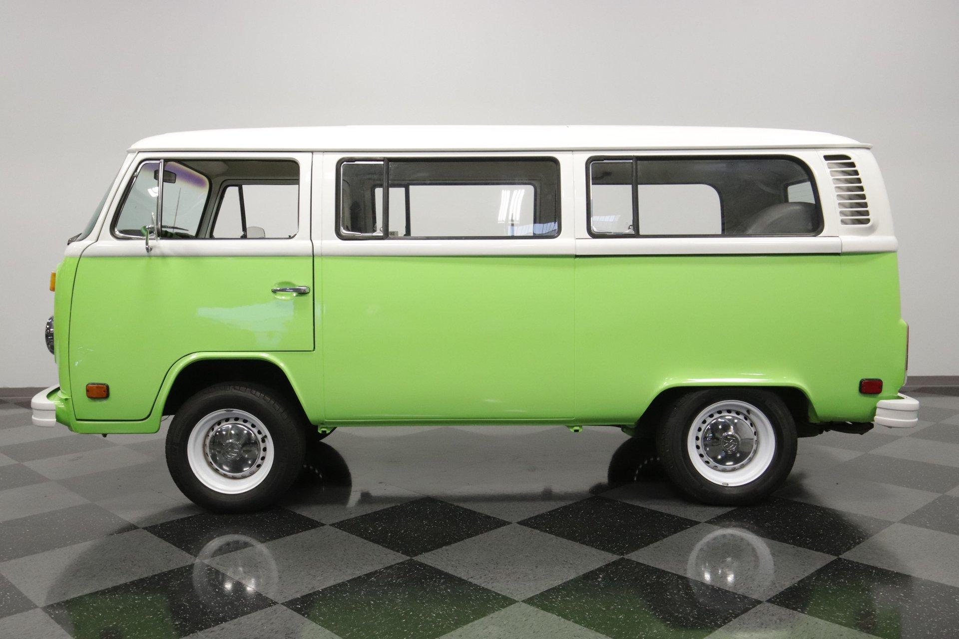 1977 volkswagen type 2 bus