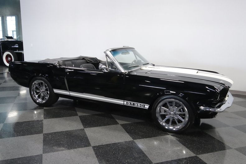 1965 Ford Mustang 18
