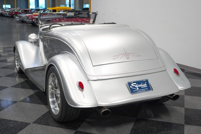 1934 Ford Roadster 10