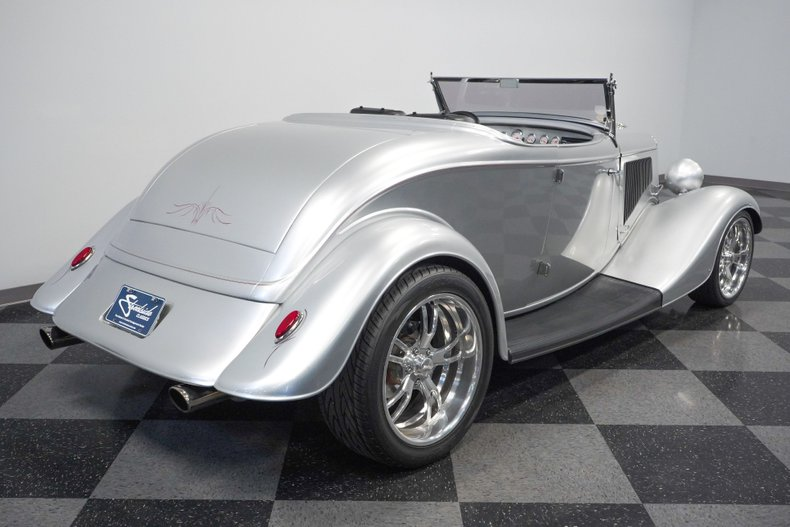 1934 Ford Roadster 13