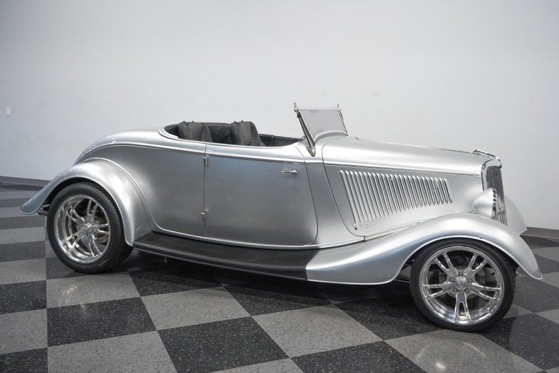 1934 Ford Roadster 16