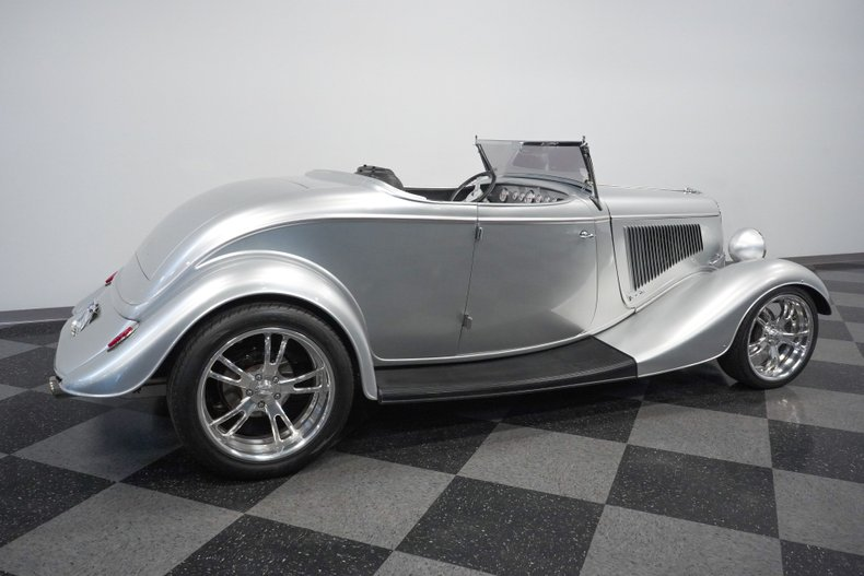 1934 Ford Roadster 14