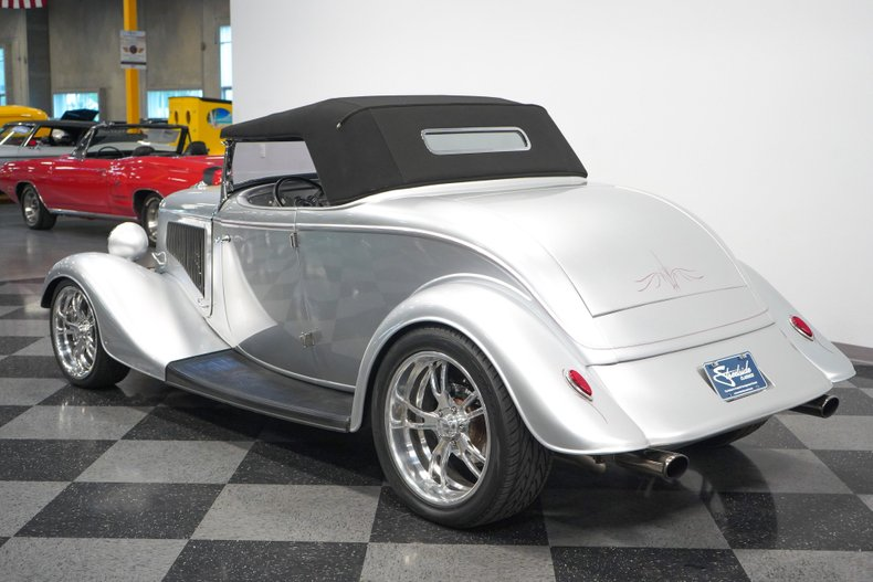 1934 Ford Roadster 24
