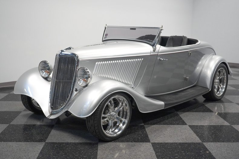1934 Ford Roadster 21