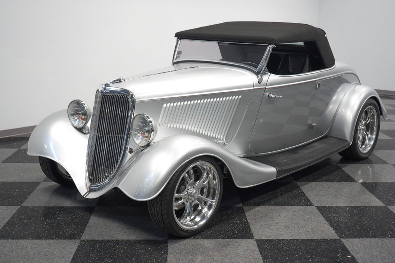 1934 Ford Roadster 22