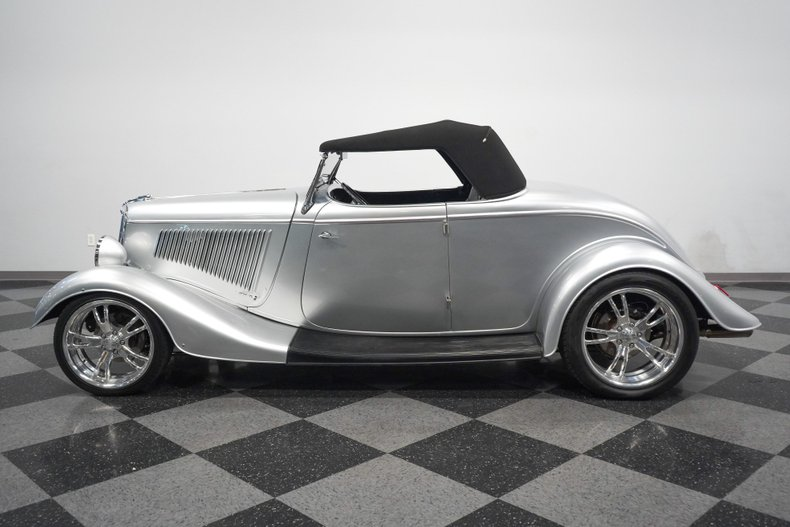1934 Ford Roadster 23
