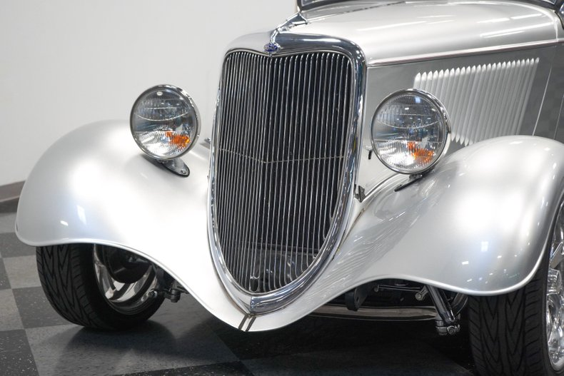 1934 Ford Roadster 25
