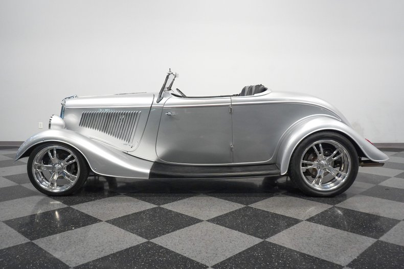 1934 Ford Roadster 27