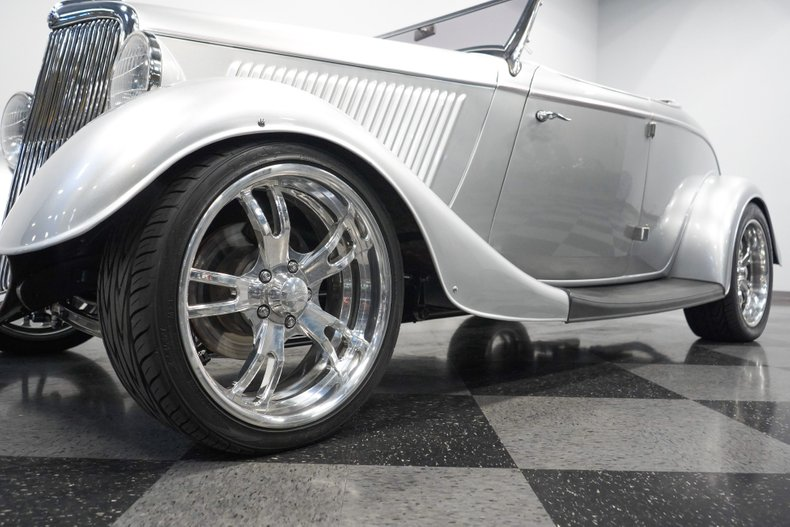 1934 Ford Roadster 26