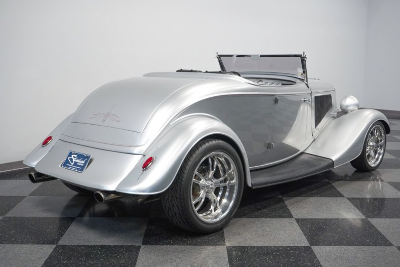 1934 Ford Roadster 31