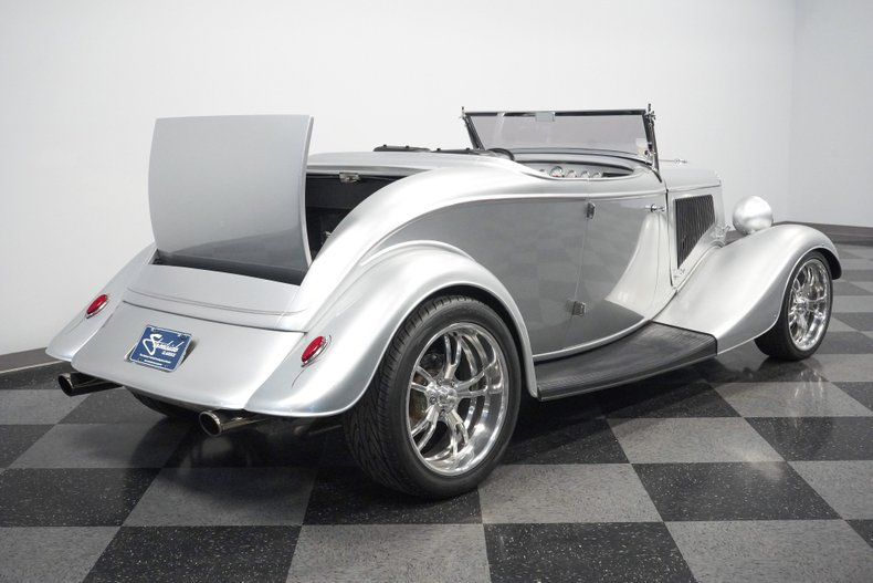 1934 Ford Roadster 39
