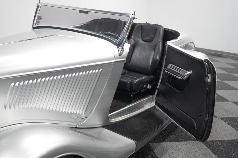 1934 Ford Roadster 42
