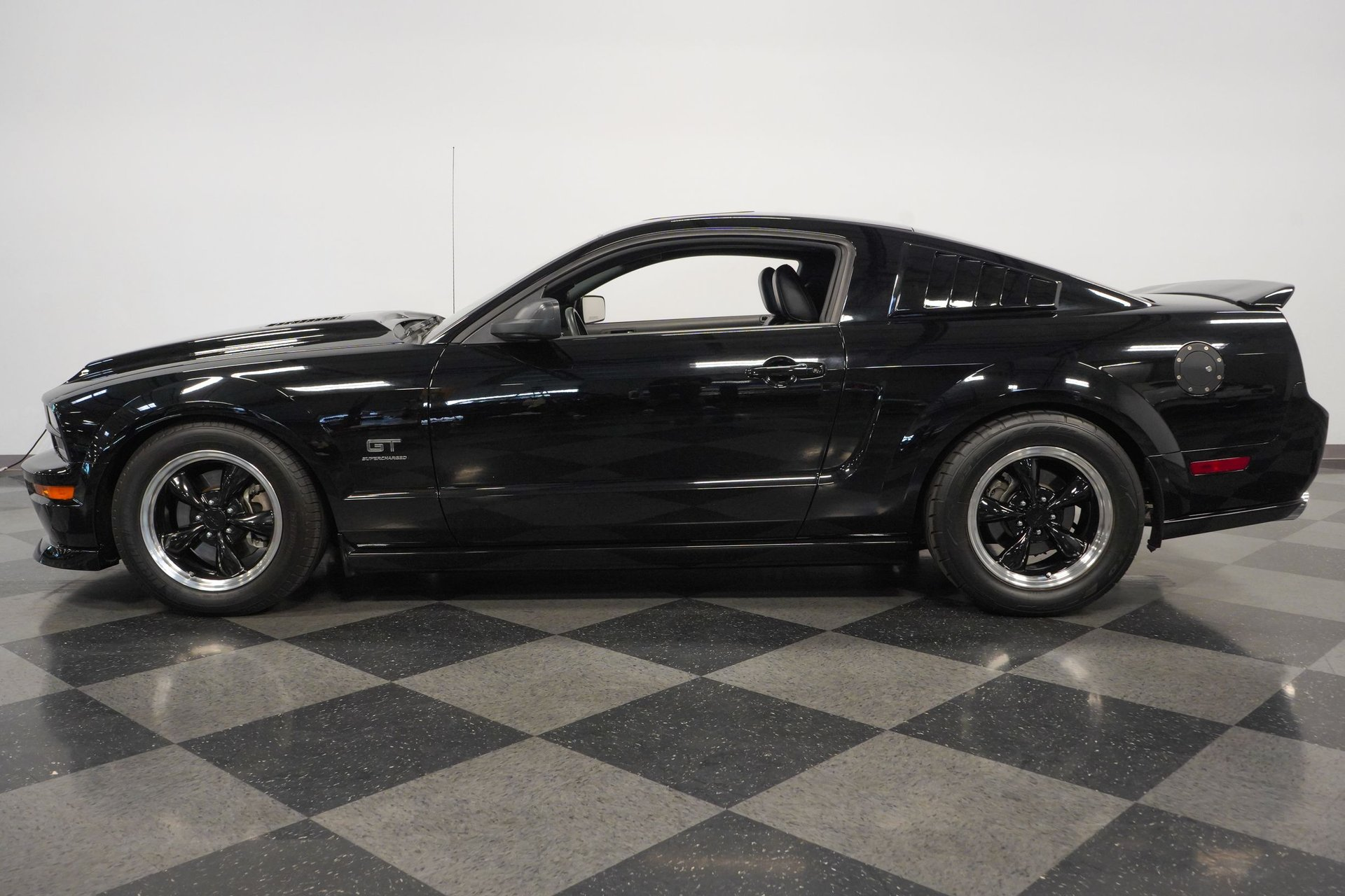 2005 ford mustang gt supercharged