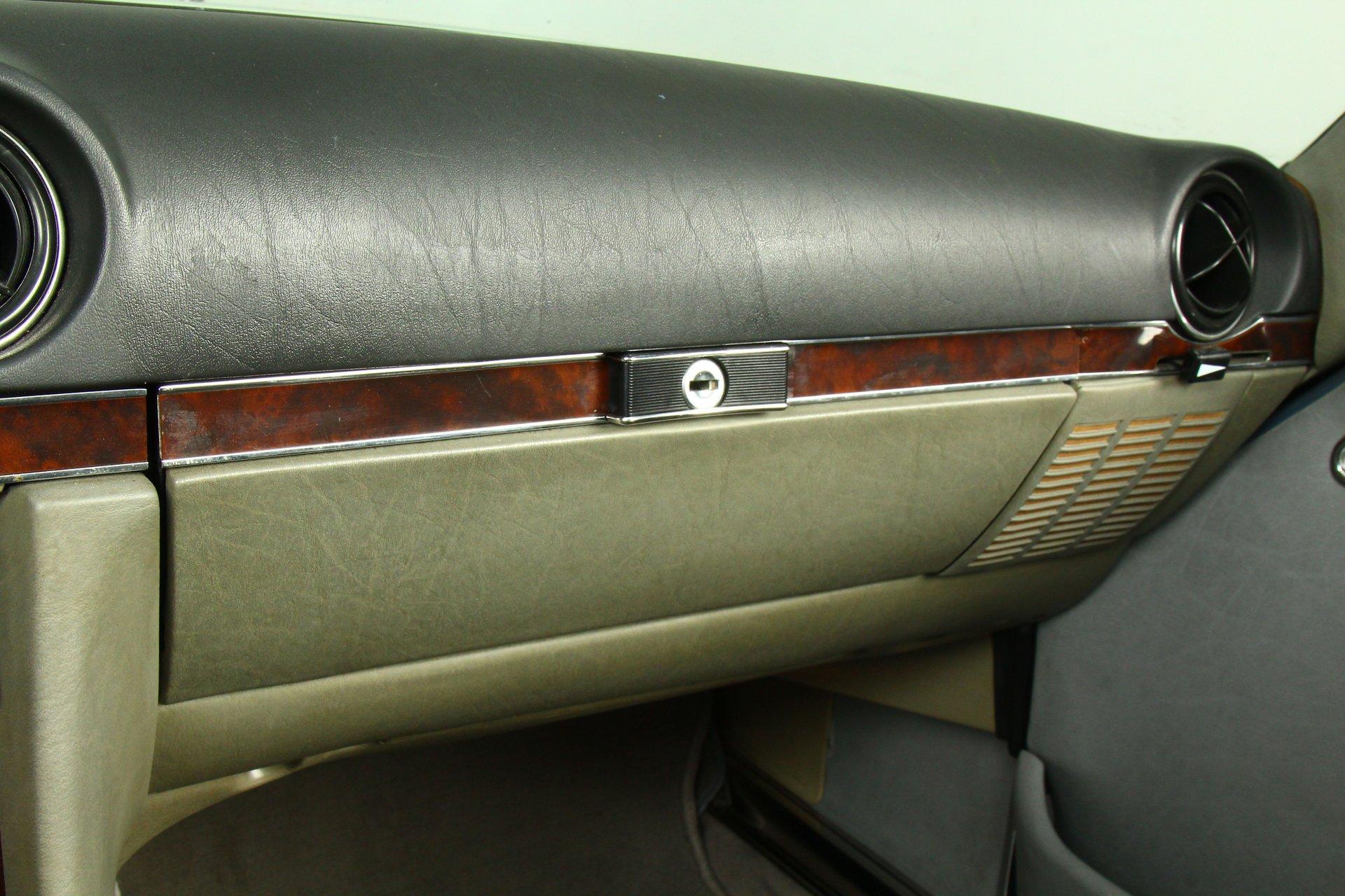 1987 Mercedes-Benz SL 560